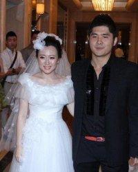 潘阳老公石磊个人资料及近况和图片,潘阳结婚照