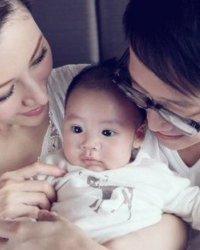 李嘉欣儿子小JM图片 李嘉欣和儿子合照