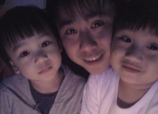 小小彬已经成为风靡全中国的童星,因为可爱的形象所以深受大家的喜爱