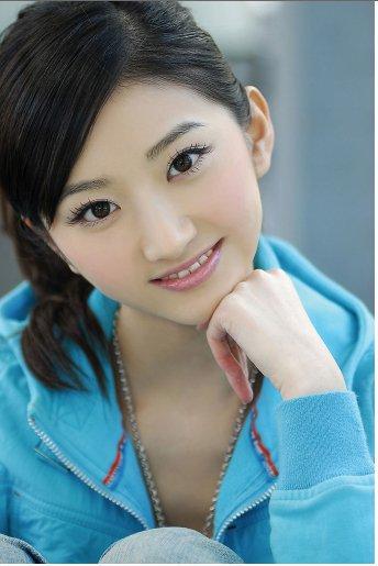 演员华汉个人资料_景甜男友华汉的个人资料及近况   中国内地女演员景甜不仅长相就像她