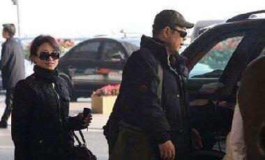 张铁林的现任妻子曾经被媒体拍到,两人生有一个儿子,具体的相关信