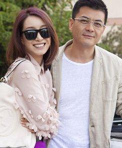 于王新军的妻子唐静很多人都不熟悉,其实唐静也是一个演员,只是