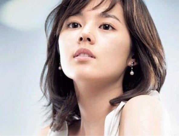 韩国没有整容的明星 看看著名的明星还有几个没整容