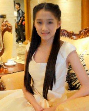 很多人都说林妙可是中国第一童星,可爱形象深受中国粉丝的喜爱,但是
