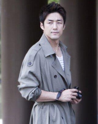池珍熙的老婆名叫李秀妍,两人在1998年的时候相识相恋,2004年的时候