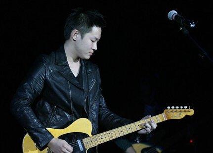 梁博因为吉他谱