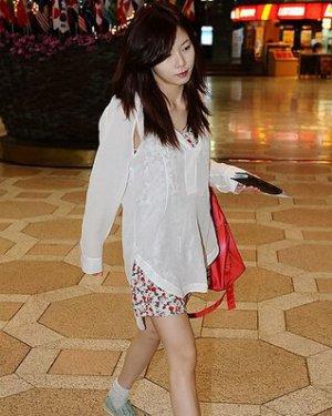 江南style女主角金泫雅图片和个人资料及近况和图片