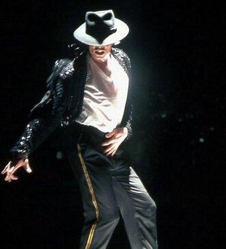 迈克尔杰克逊个人资料及近况和图片 迈克尔杰克逊怎么
