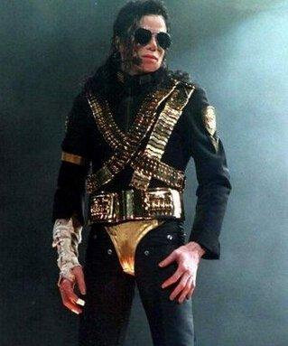 迈克尔杰克逊死的图片_迈克尔杰克逊怎么死的