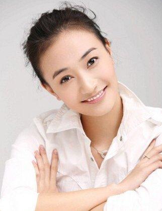 闫娜1987年出生于辽宁鞍山,身高170cm,毕业于中央戏剧学院表演系,是