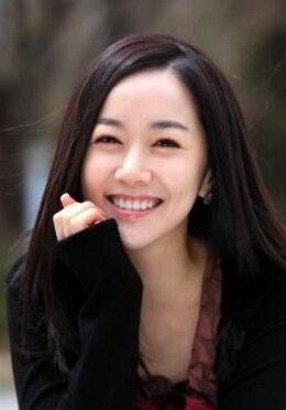 拥抱太阳的月亮 尹宝镜饰演者金敏瑞个人资料及近况和图片