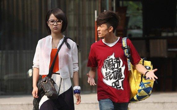 并且在《小兵张嘎》中饰演佟乐这一位重要的配角了