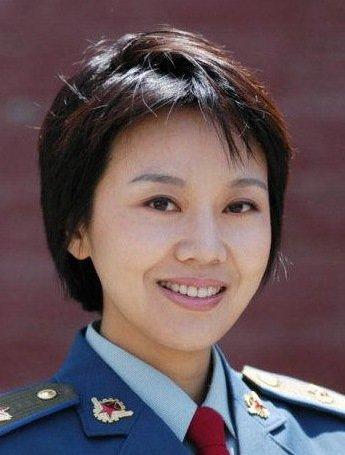 闫妮将佟湘玉的那种市侩的小人物角色