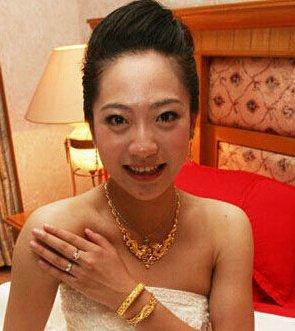 不过据说朱芳雨的小三长得很丑