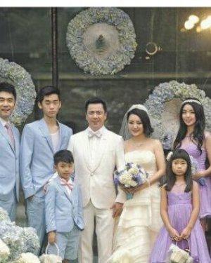 王中磊补办婚礼现场 王中磊老婆是谁