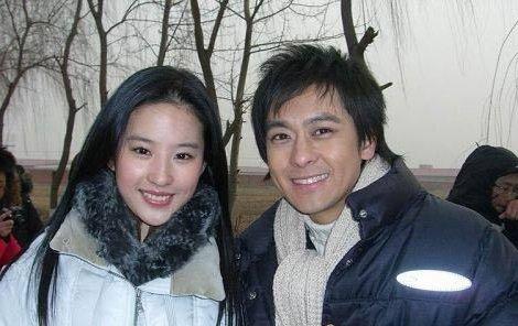 但是刘亦菲还有林志颖并不是外界所传闻的,是绯闻男女的关系,虽然两人