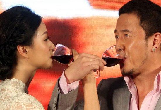 杨坤老婆是谁 杨坤老婆个人资料及近况和图片图片