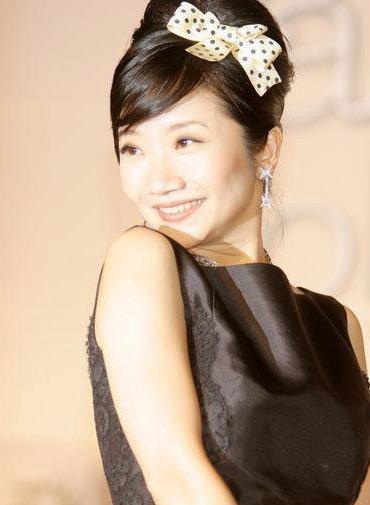 陶晶莹,还担任综艺节目《超级星光大道》《大学生了