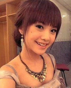 成熟气质的盘头,适合正式场合的发型,杨丞琳是不是女人味十足图片
