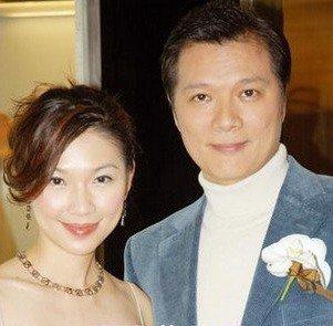 林书炜与老公蔡诗萍的合照,在林书炜27岁的时候,也正是她事业发展最