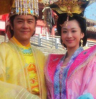 穆婷婷当时和陈浩民一起出演电视剧天天有喜