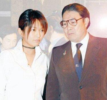 叶静子王京阳两个人离婚的原因图片