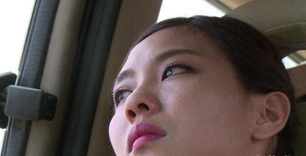 出生在海南的missa霏是典型的中国人,不过因为missa霏的理想,missa霏在2007年的时候,就已经到了韩国娱乐公司JYP中成为了练习生,三年之后,missa霏获得了出道的机会,missa霏作为组合中的全能型选手,missa霏不仅在韩国走红,现在在中国的发展,missa霏也是相当给力的,missa霏在多次参加的节目中屡次曝光成功。  missa霏算是韩国组合中比较有名的组合,因为missa的四位成员几乎都是精英,所以missa霏在里面也算是比较突出还有全能型的艺人哦!  missa霏作为组合比较有名