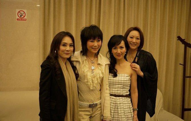 就是因为徐慧宣拍摄了电视剧《新白娘子传奇》了,徐慧宣与众多的