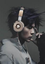 周杰伦代言《Tiinlab》耳机写真图片