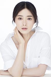 蒋欣曝清新写真 白衬衫谱写冬日纯情风
